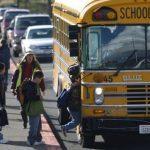 ¿Qué permiso necesito para conducir un autobús escolar?