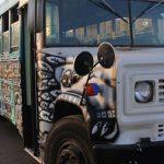 Un autobús decorado por Carlos Rivas recorrera Arizona