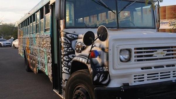 autobus para niños sin hogar en arizona