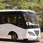 El autobús con energía solar viene… de África