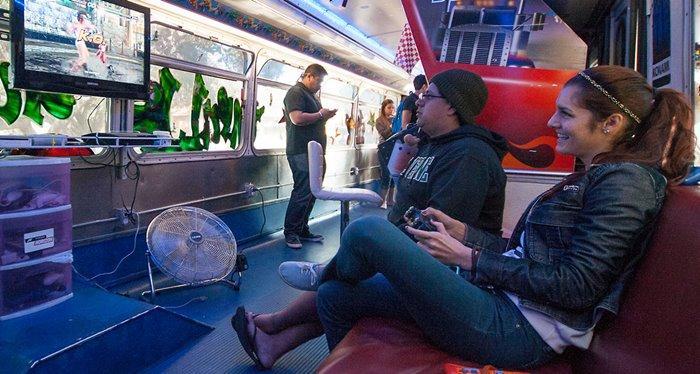 autobus con videojuegos
