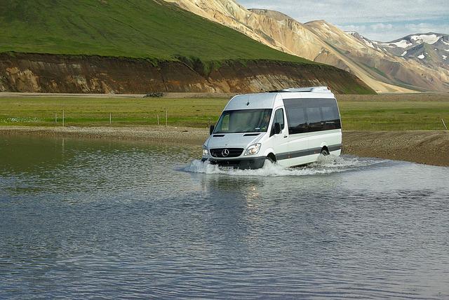 alquiler de un minibus para 25 personas
