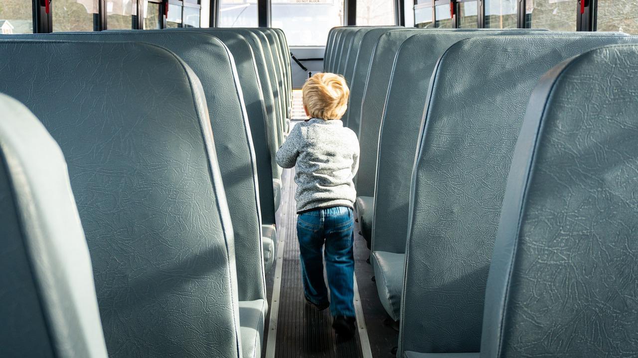 usar-los-cinturones-de-seguridad-en-un-autobus